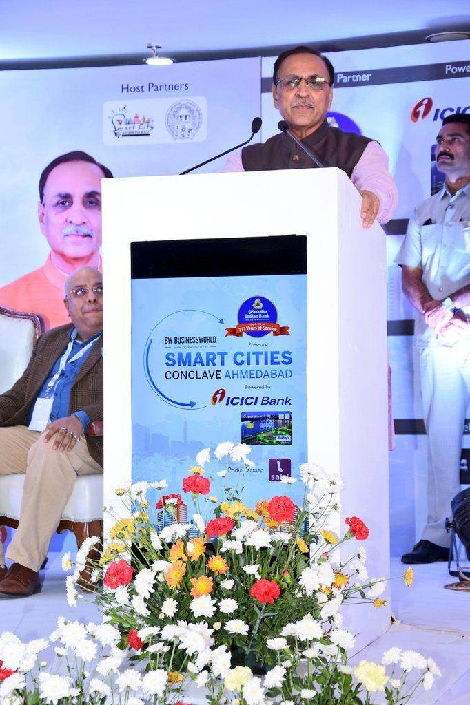 Gujarat CM Shri Vijay Rupani delivering his speech at Smart Cities Conclave 2018 Ahmedanad